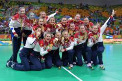 Золотые медали Олимпиады в РИО у российских гандболисток!